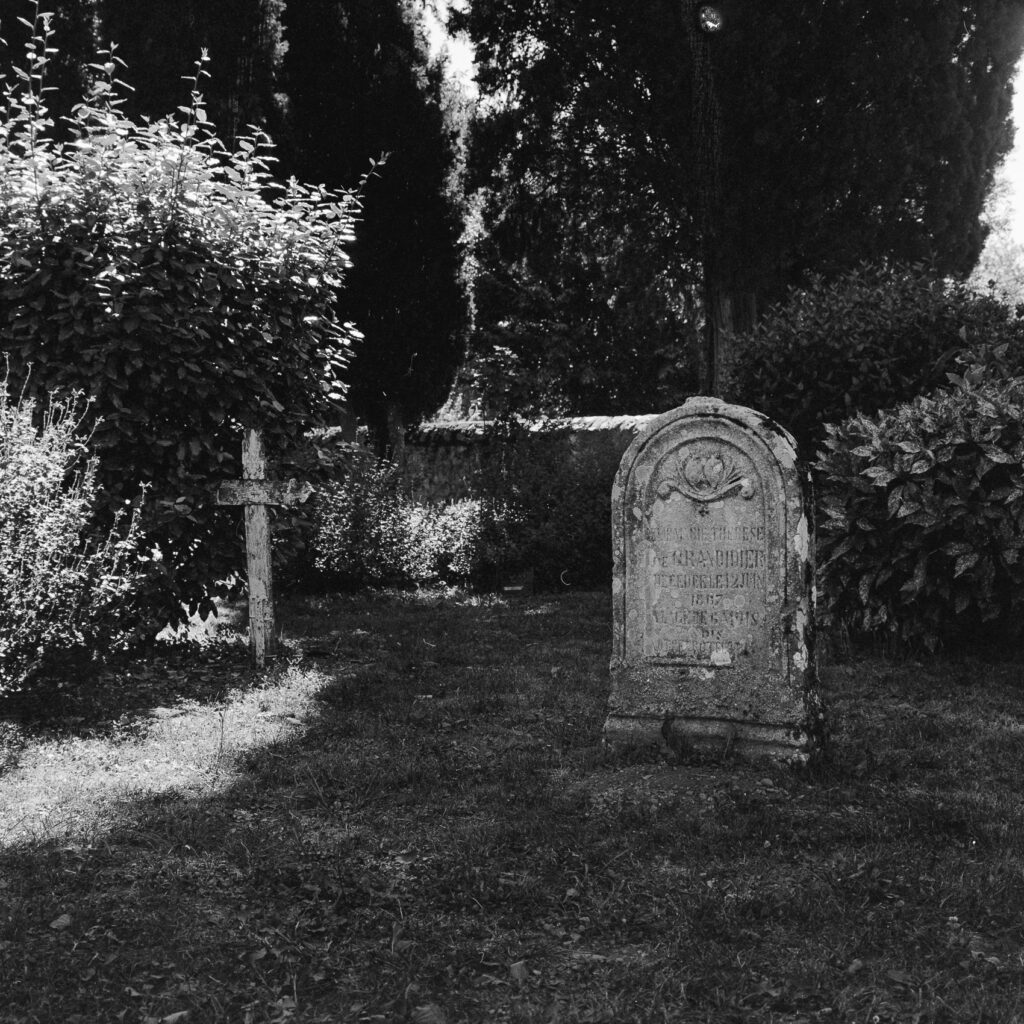 Zerken op kerkhof